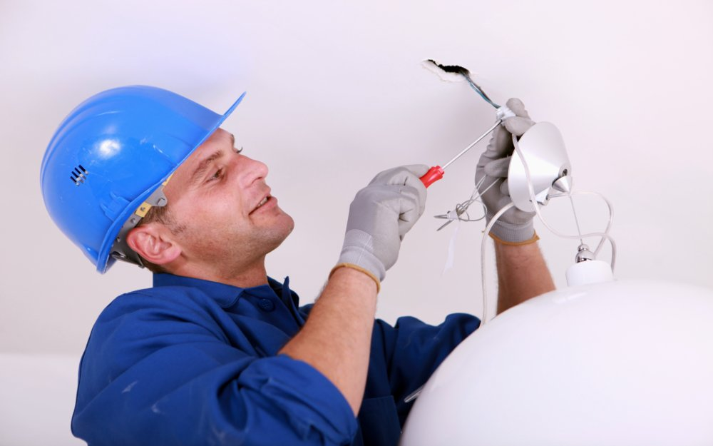 5 Electrical Repairs NOT to Try on Your Own2